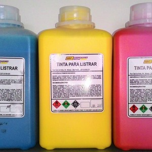 Tinta base solvente para pneus